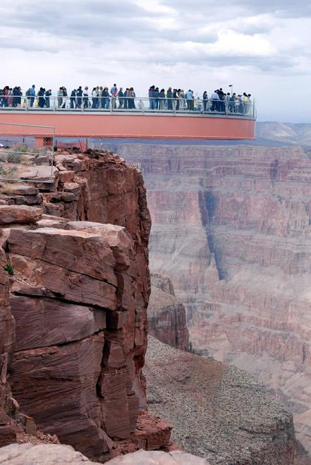 Pasarela a mas de 1200 metros de altura