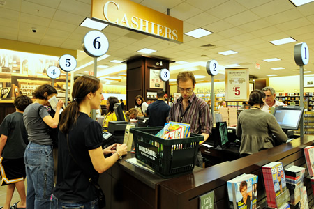 BARNES NOBLE 02 Barnes & Noble checkouts hacked; credit card info stolen