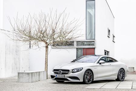Mercedes-Benz, Global Giants
