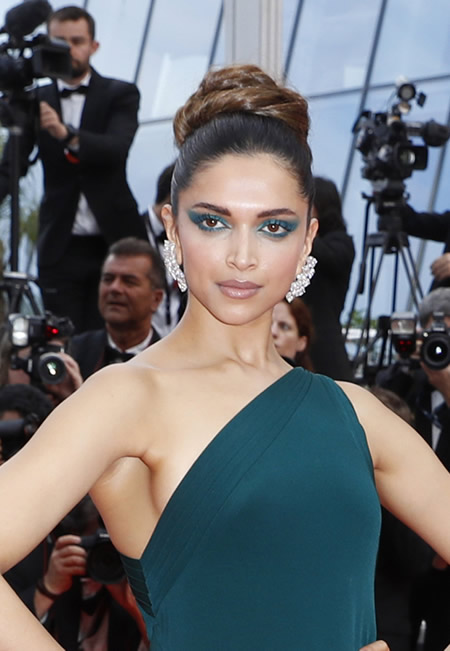 Cannes, Loreal, Deepika